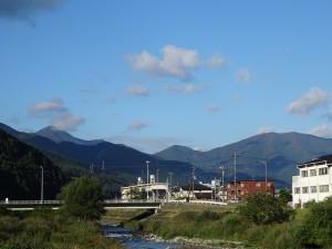 釜石市内から見える西側の山々