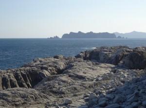 千畳敷から南方の三貫島