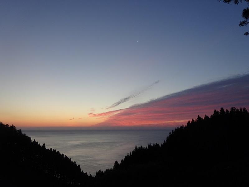 衛星,恒星そして水と生命の惑星(花露辺)
